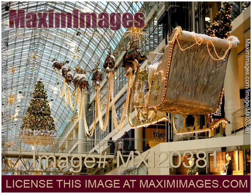 Stock photo christmas decoration in a shopping mall for Decoration shopping