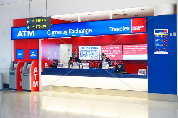 Airport Currence Exchange Kiosk Travelex At Toronto Pearson International